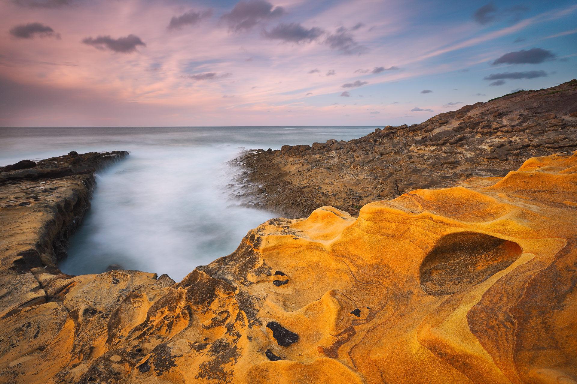 Una costa de color